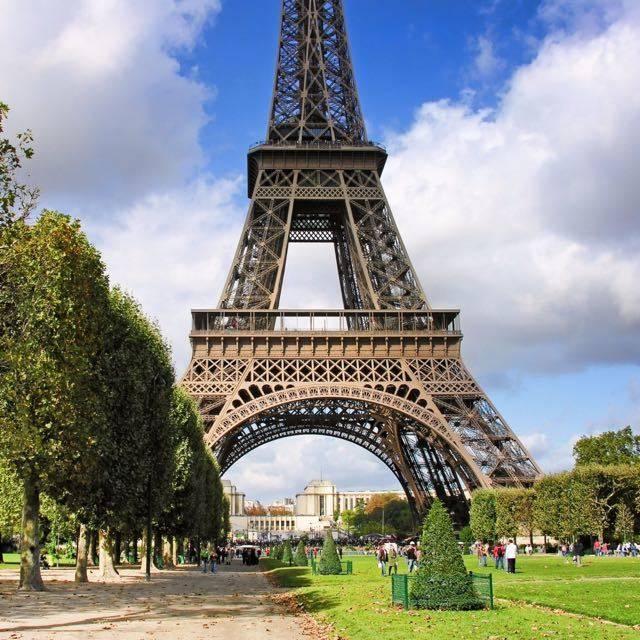 巴黎彩虹塘家庭旅館